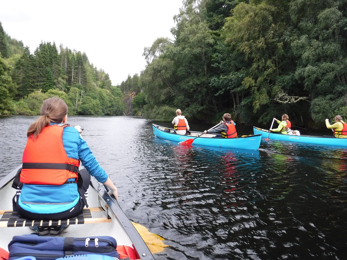 Paddle through the gorge